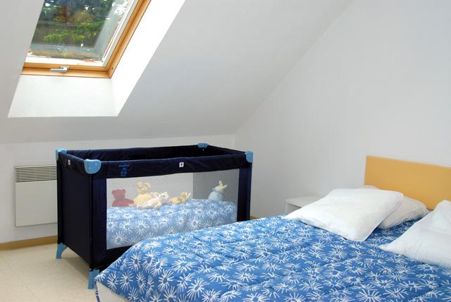 Location petite maison camping croisic 44 for Lit bebe dans chambre parents