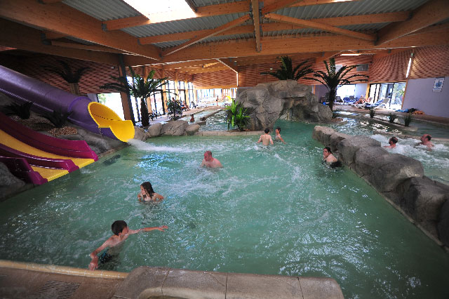 Holiday park with water park by the beach in le croisic for Camping de la piscine brittany