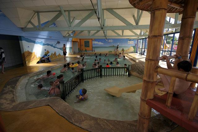 Campingplatz Mit Schwimmbad Und Wasser Komplex Le Croisic 44