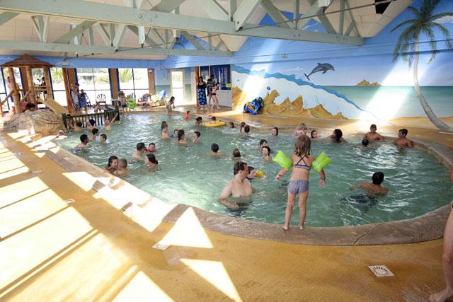 Camping avec piscine et espace aquatique le croisic 44 for Camping le croisic avec piscine couverte