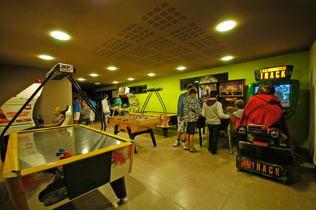 camping laverie commerce course camping l 39 oc an croisic 44. Black Bedroom Furniture Sets. Home Design Ideas